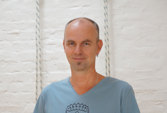 Fred Kallemein - Iyengar Yoga Lehrer im Yoga Klub