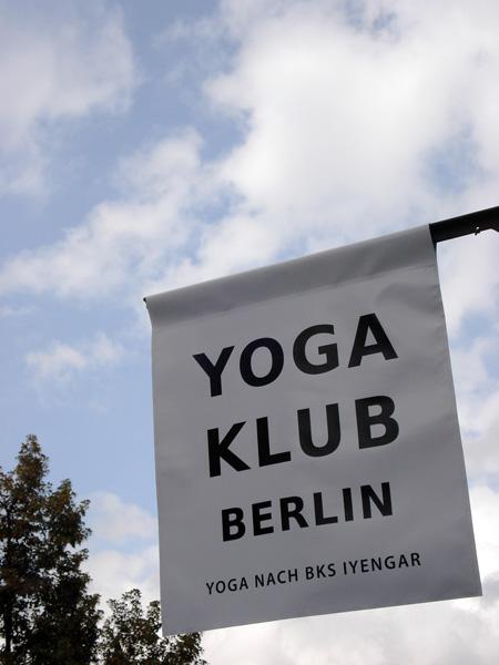 Yoga Klub Fahne